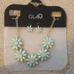 GLAM Statement Necklace & Earring Set